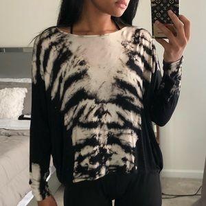 Black/Nude FASHIONNOVA Open-Back Long Sleeve Shirt